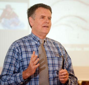 Michael Friedlander speaks to an audience